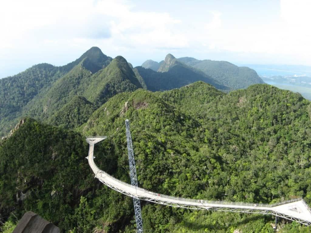 Langkawi_cablecar_bridge