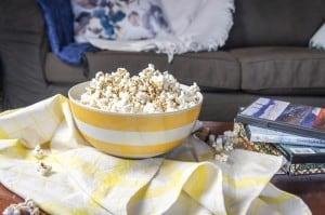 5 Healthy Date Night Ideas + Cheesy Herbed Popcorn