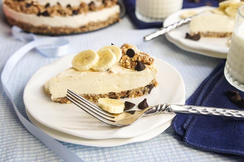 Cheesecake topped with Banana