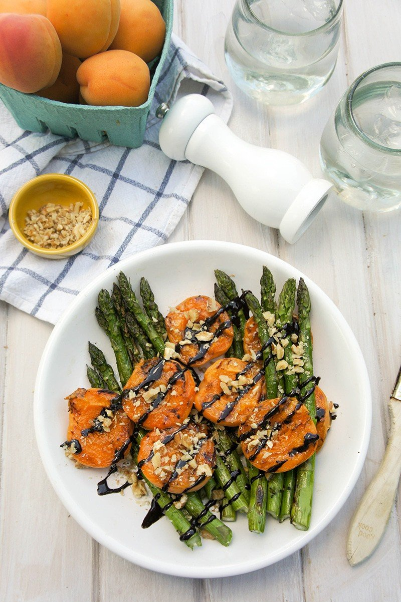 Grilled Asparagus and Apricots with Balsamic Glaze / A beautiful side dish for your next BBQ. The perfect addition to grilled meats.