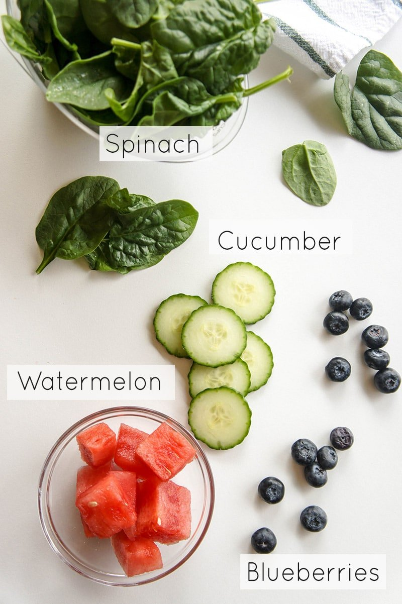 Blueberry Metabolism Booster Smoothie / This creamy, delicious blend of fruits, veggies and seeds is a sure fire way to rev your metabolism!