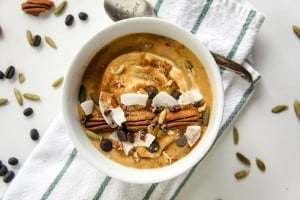 Pumpkin Spice Latte Smoothie Bowl