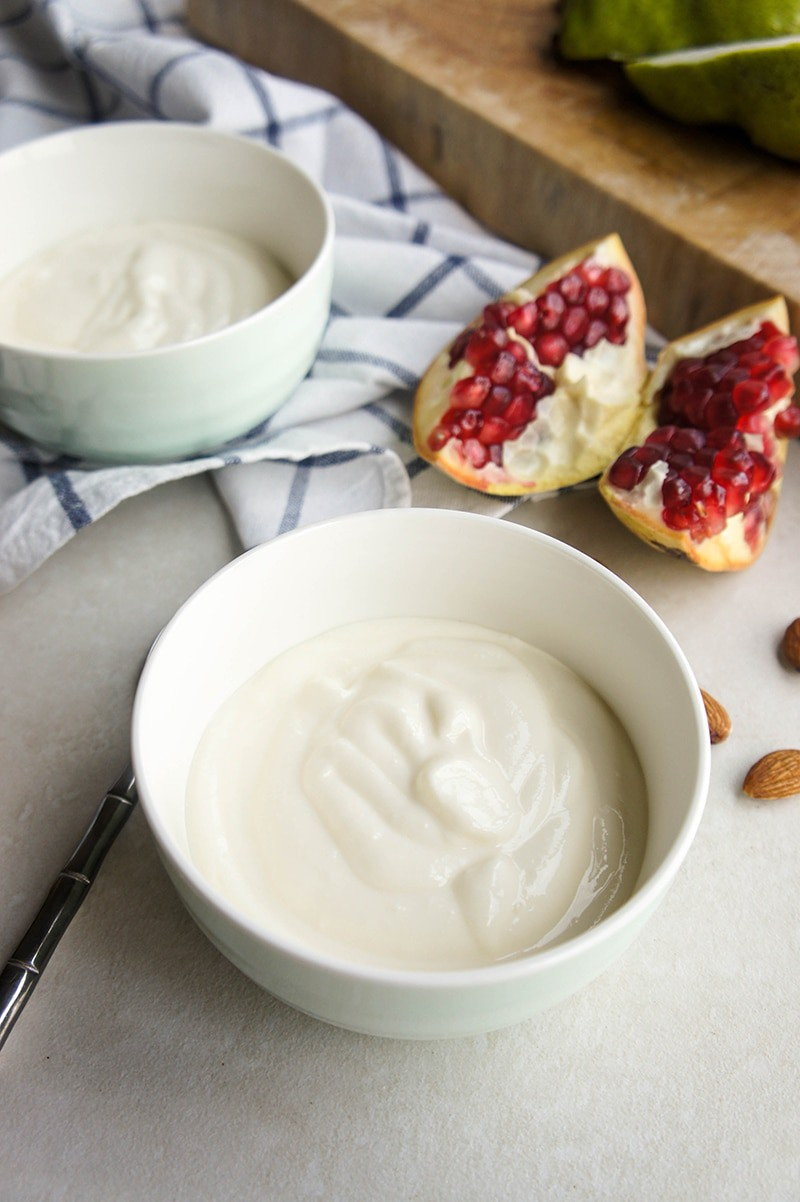 How to Make Yogurt / Thick and creamy yogurt is easy to make, and will save you money!