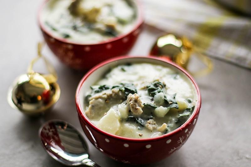 Creamy Sausage Potato Kale Soup / This ultra dreamy creamy soup is ...