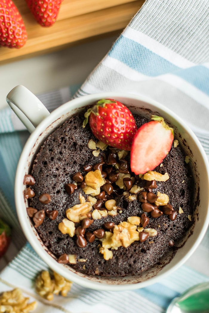 Coconut Flour Mug Cakes / Coffee cake in 2 minutes? Yes please! This gluten free, coconut flour mug cake is delicious and easy.
