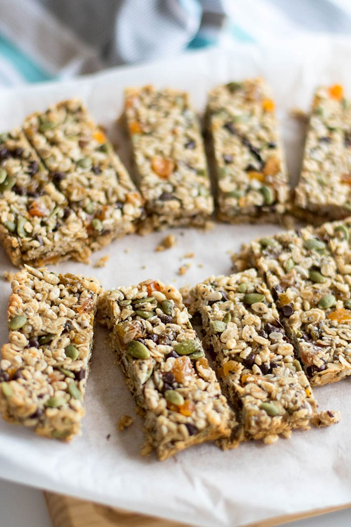 Homemade Granola Bars / These easy, gluten free granola bars are packed with apricots, seeds and chocolate chips, but you could easily customize with your favorite add ins!