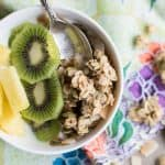 Coconut Granola / This healthy, homemade granola recipe is so easy to make, and it a delicious and crunchy yogurt or smoothie bowl topper.
