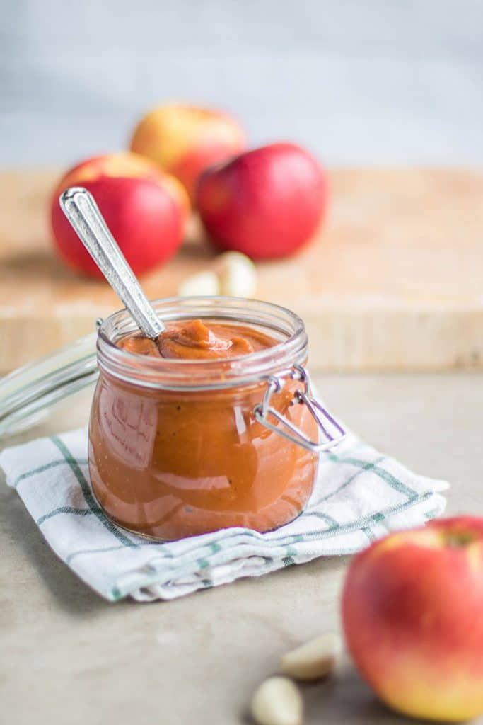 Sweet Onion Apple BBQ Sauce / The perfect recipe to end summer and welcome fall flavors.