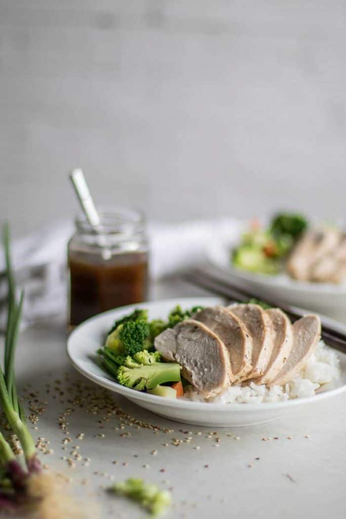 Teriyaki Chicken Recipe / This gluten free and soy free teriyaki sauce is naturally sweetened with date syrup -- jazz up your rice and veggies into a truly special (and healthy!) meal.
