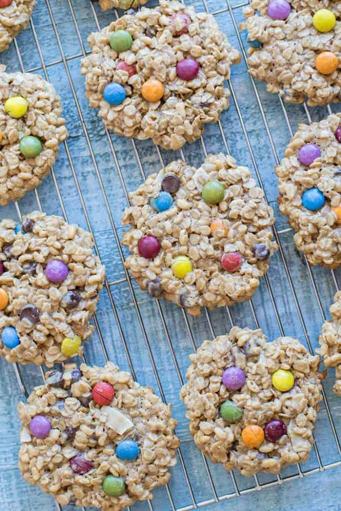 Gluten Free Monster Cookies / These gluten free and nut free monster cookies are great for school parties! A classic Halloween Cookie made healthier.