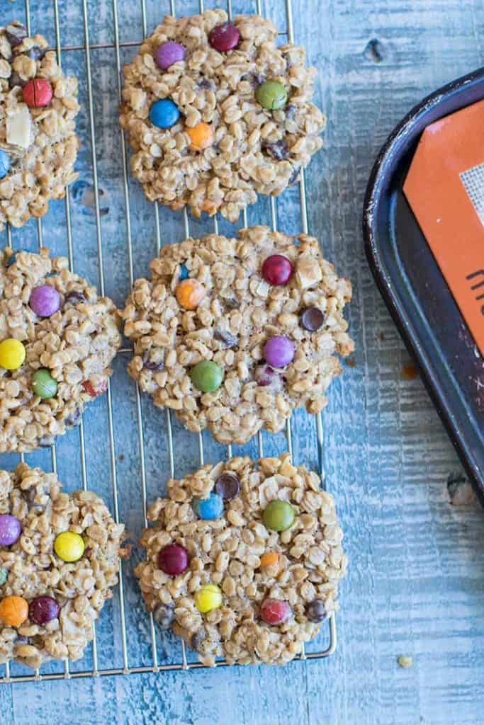 Oatmeal Monster Cookies / These gluten free and nut free monster cookies are great for school parties! A classic Halloween Cookie made healthier.