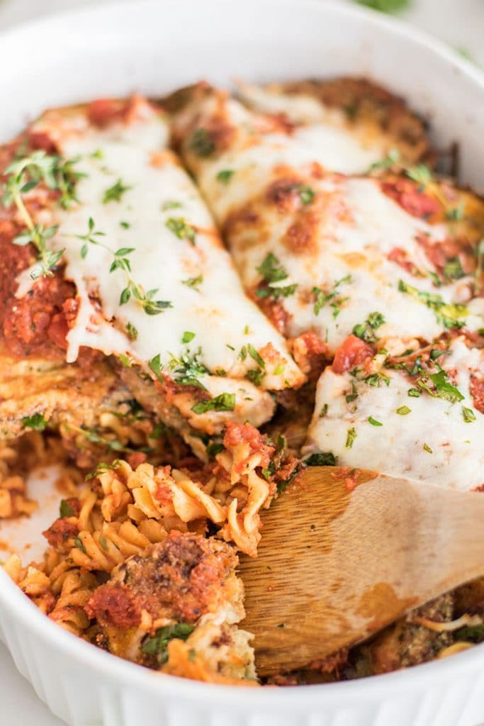 Eggplant Parmesan / This gluten free baked pasta dish is a great! Made #glutenfree with Chickapea Pasta, and layered with crispy baked eggplant slices and lots of cheese!