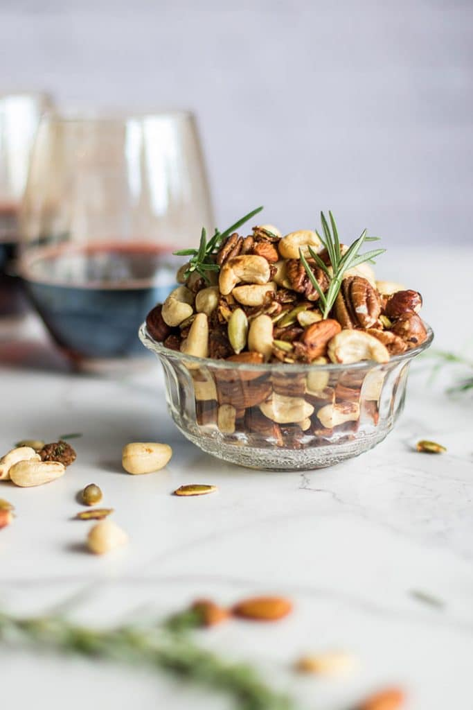 Roasted Mixed Nuts / Toasted nuts are mixed with a flavorful and festive combination of shallots, rosemary, and spices.