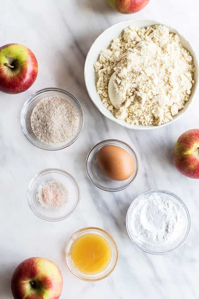 The ingredients for an almond flour pie crust.