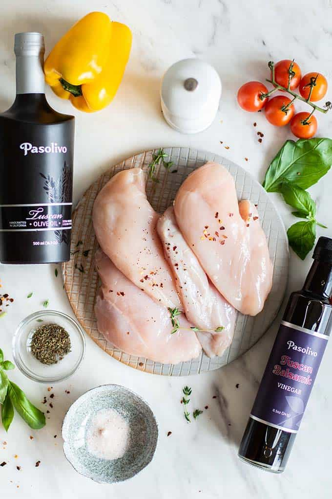 The ingredients for this easy balsamic chicken recipe.