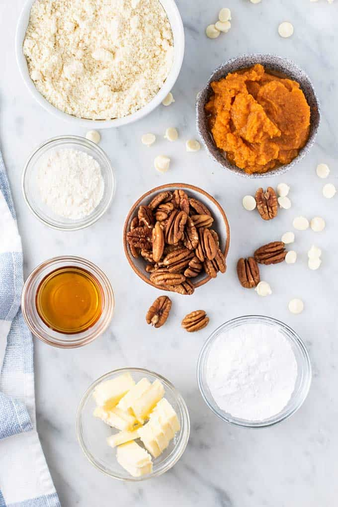 INgredients for mini pumpkin mousse pies.