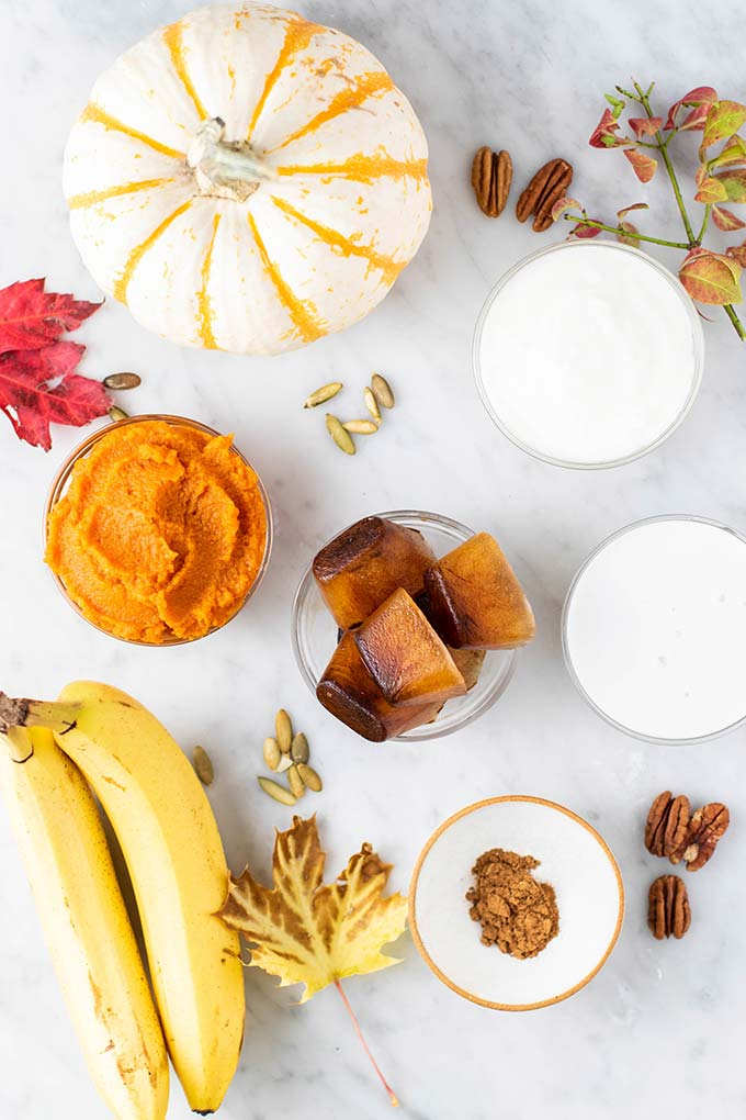 The ingredients for 2 pumpkin spice latte smoothies.