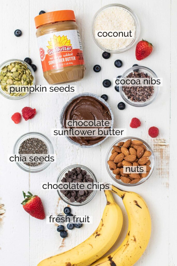 Examples of toppings to use on top of thick smoothie bowls.
